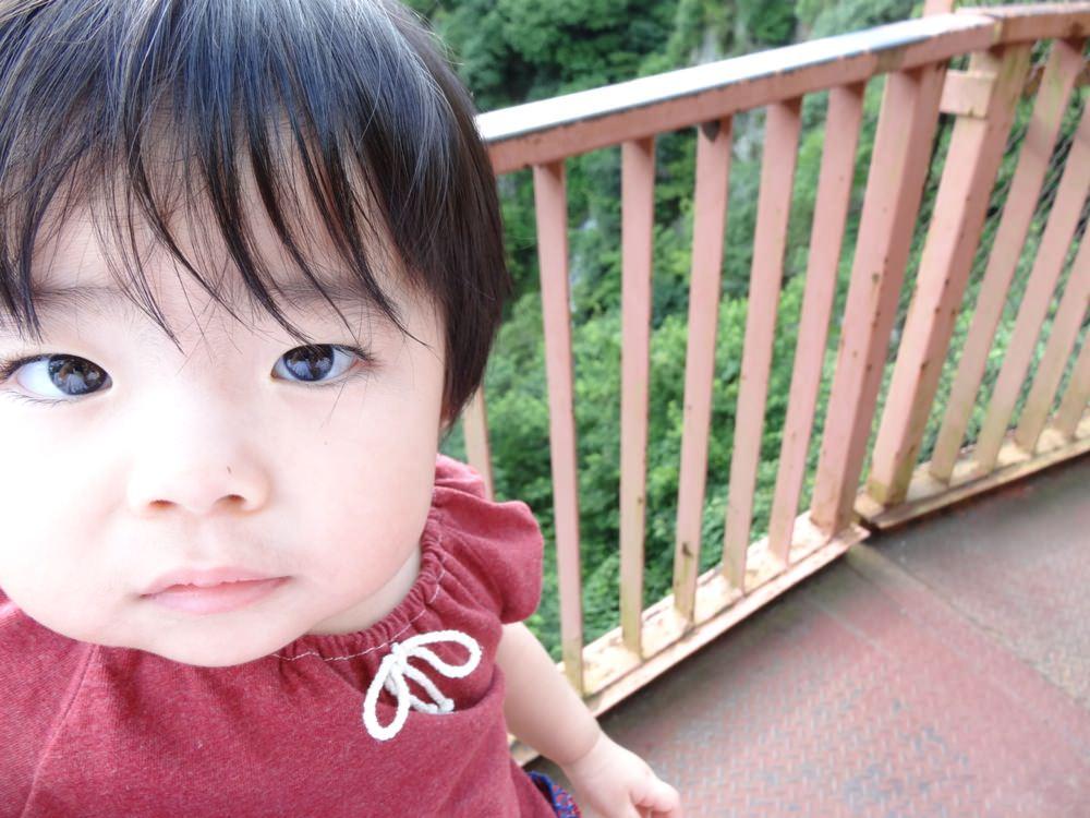 奈々ちゃん初マイナスイオンを浴びるの巻。in大阪 箕面の滝