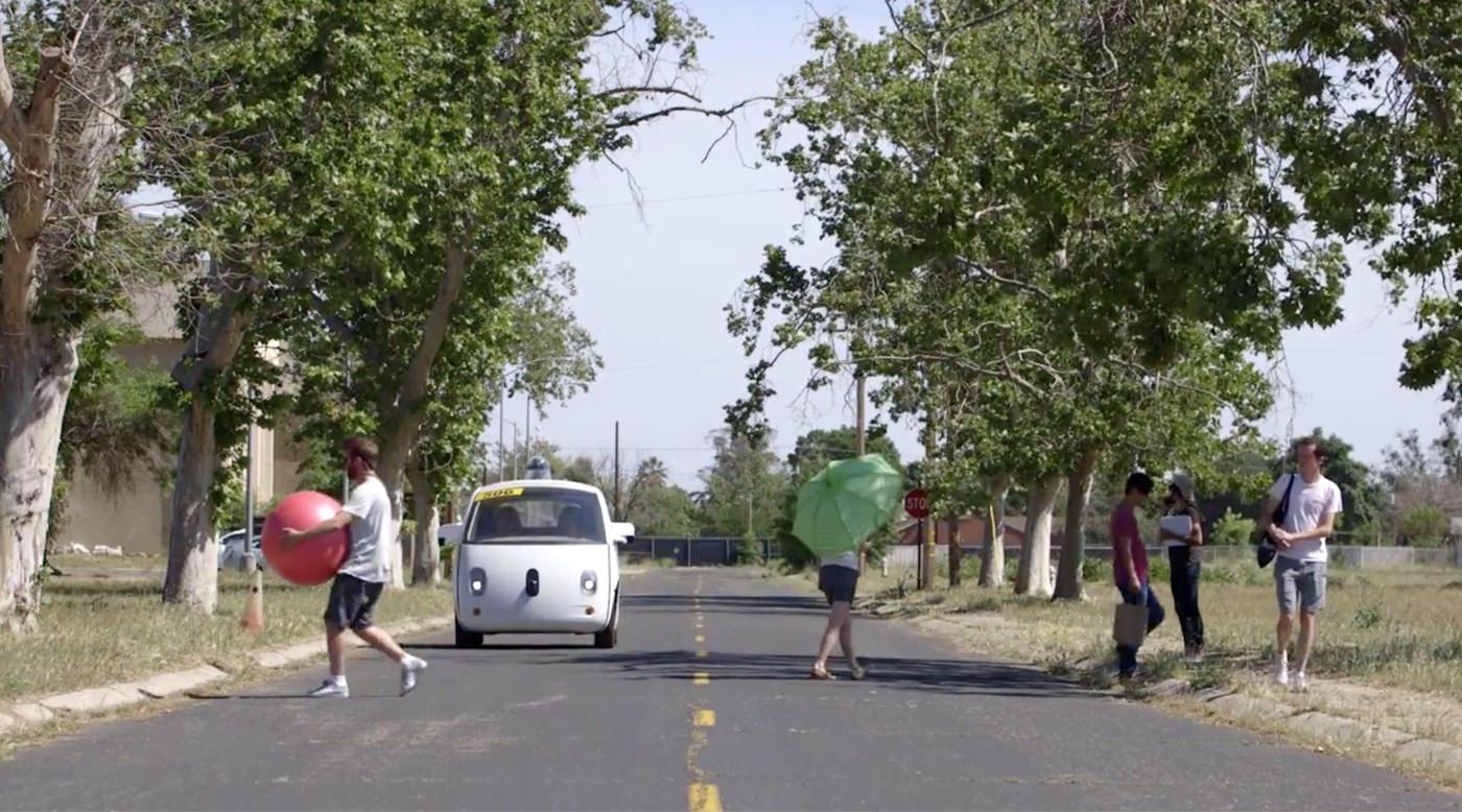 Googleの全自動運転車 街中の風景